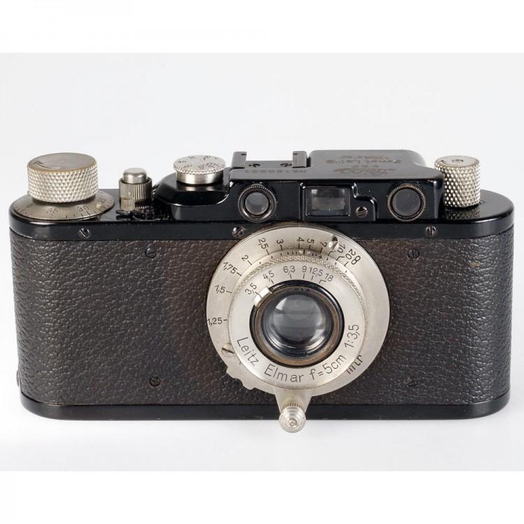Câmera analógica 35mm Leica II com lente Elmar 50mm f3.5 - USADA