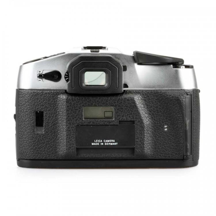 Câmera analógica 35mm Leica R8 com lente Summicron-R 50mm f2 + flash SF20 - USADA
