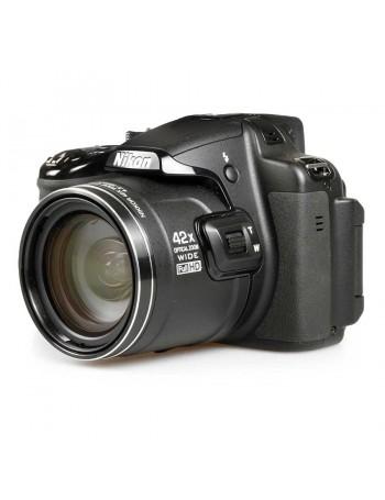 Câmera superzoom Nikon Coolpix P520 com zoom óptico de 42x - USADA