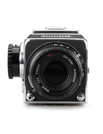Câmera analógica médio formato Hasselblad 500CM com objetiva Planar 80mm f2.8 - USADA