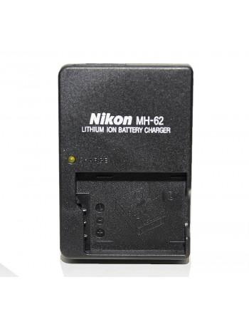 Carregador de bateria Nikon MH-62