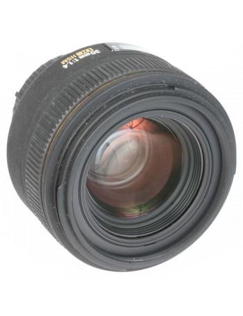 Objetiva Sigma 30mm f1.4D DC EX HSM para Nikon - USADA