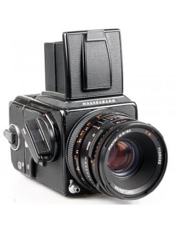 Câmera analógica médio-formato Hasselblad 500C/M com lente Planar 80mm f2.8 T* + tela Acute Mate - USADA