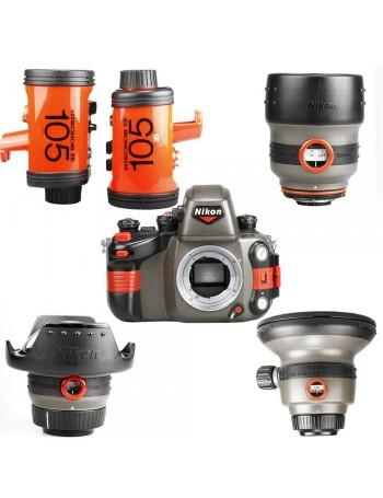 Câmera analógica 35mm Nikon Nikonos RS com lentes (50mm, 20-35mm e 13mm) + 2 flashes - USADOS